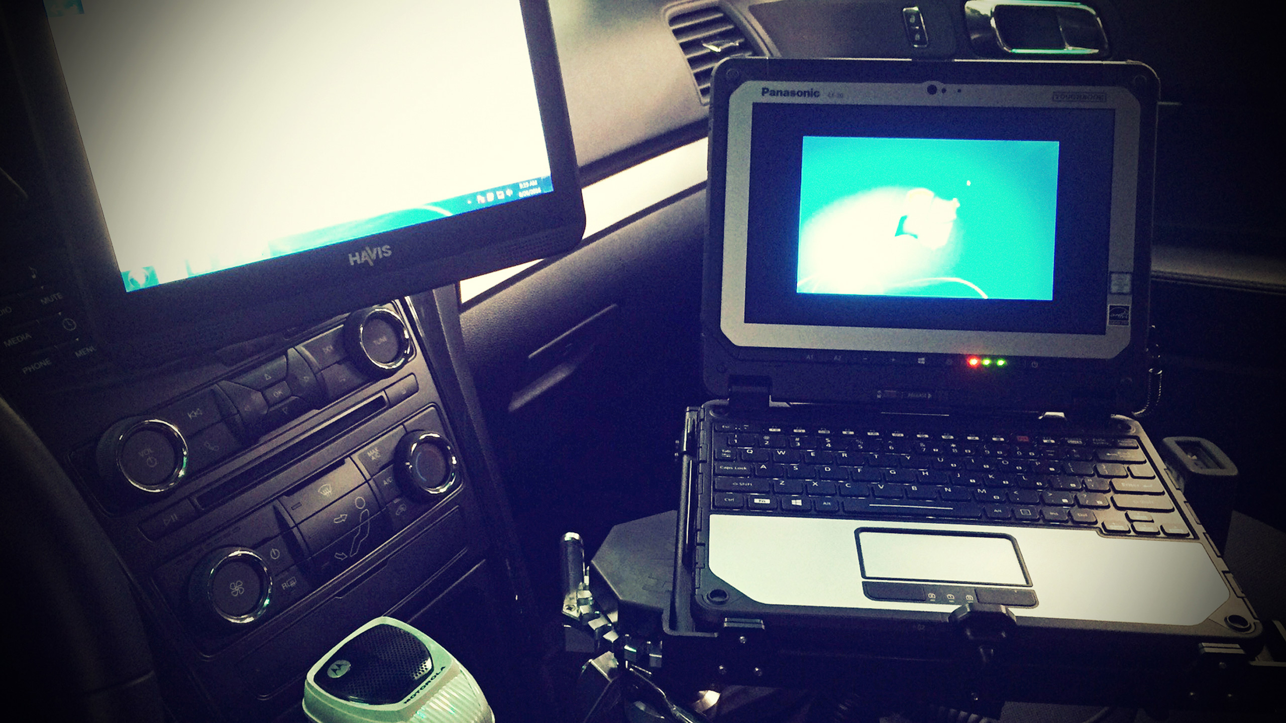 Panasonic Toughbook and Havis Screen setup in police cruiser